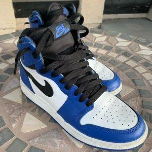 Air Jordan 1 Retro High Blue Royales